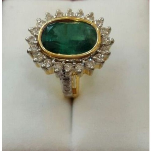Emerald (Panna) Ring with Diamond and Gold